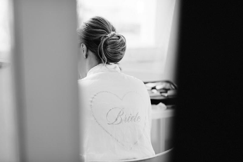 08 bride getting ready sardinia wedding
