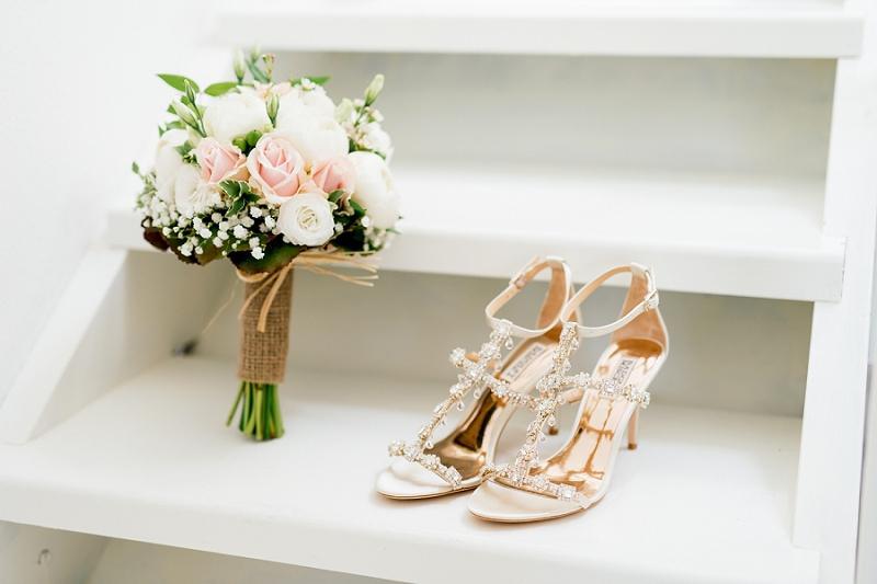 11 bride getting ready sardinia wedding