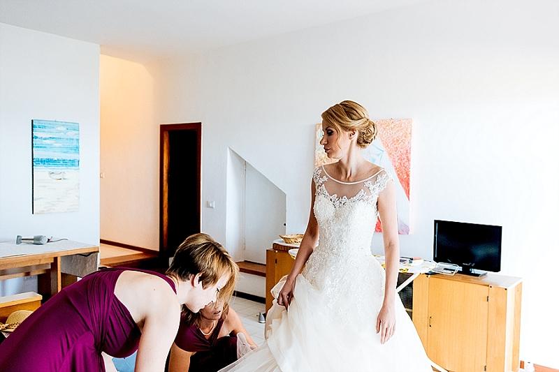 11 bride getting ready